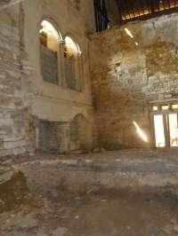 Vue d'ensemble de l'intérieur du bâtiment des hôtes