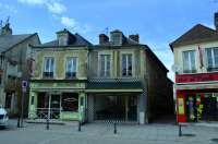 Commerces sur la rue de Rouen