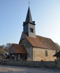 Extérieur de l'église de Courtonne-la-Meurdrac