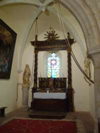 Eglise. Chapelle latérale nord. Vue de l'autel.