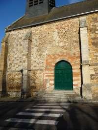 Le Sap, église St-Pierre-St-Paul;, façade sud, porte d'entrée
