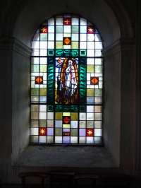 Le Sap, église St-Pierre-St-Paul, chapelle de la Vierge, Vitrail, Vierge de Fatima, par P. Bony, 196