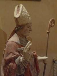 Eglise. Statue de St Ouen. Détail.