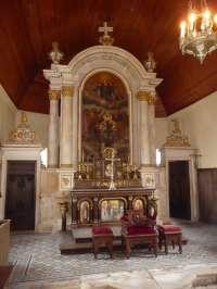 Basseneville. Eglise de l' Assomption. Intérieur. Vue générale du maître-autel.