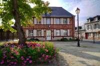 Mairie de Le-Breuil-en-Auge